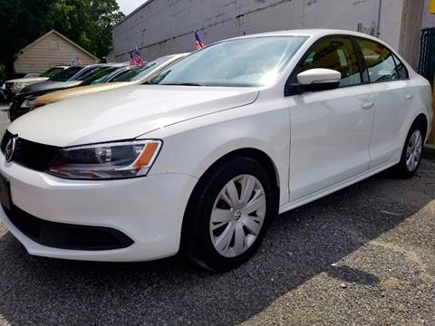 2012 Volkswagen Jetta for sale at AUTORAMA SALES INC. - Farmingdale in Farmingdale NY