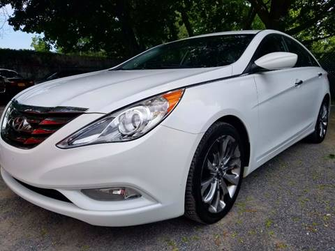 2011 Hyundai Sonata for sale at AUTORAMA SALES INC. - Farmingdale in Farmingdale NY