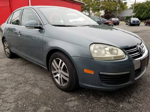 2006 Volkswagen Jetta for sale at AUTORAMA SALES INC. in Wantagh NY