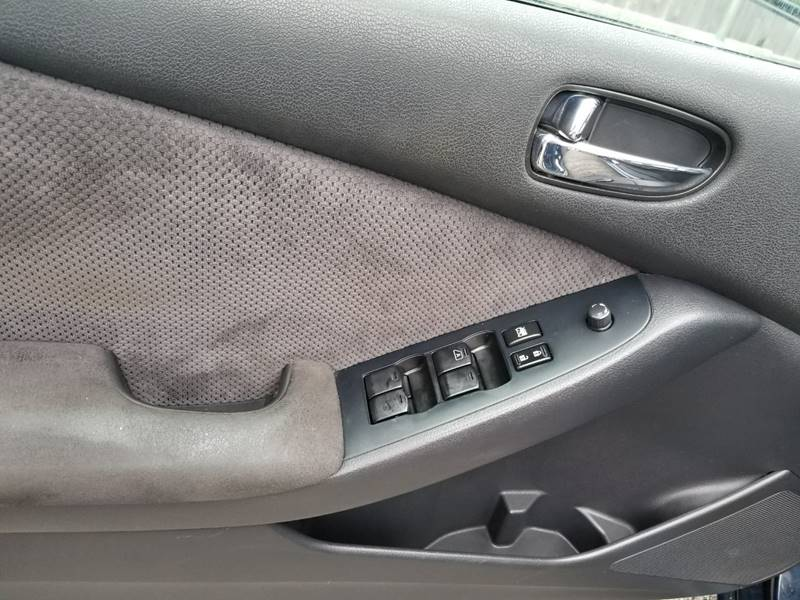 2007 Nissan Altima for sale at AUTORAMA SALES INC. in Wantagh NY