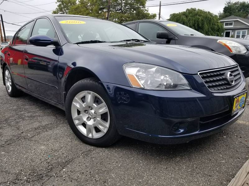 2006 Nissan Altima for sale at AUTORAMA SALES INC. in Wantagh NY