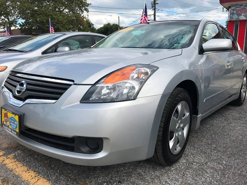 2008 Nissan Altima for sale at AUTORAMA SALES INC. in Wantagh NY