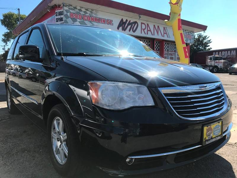2012 Chrysler Town and Country for sale at AUTORAMA SALES INC. in Wantagh NY