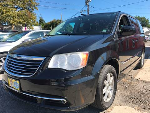 2012 Chrysler Town and Country for sale in Wantagh, NY