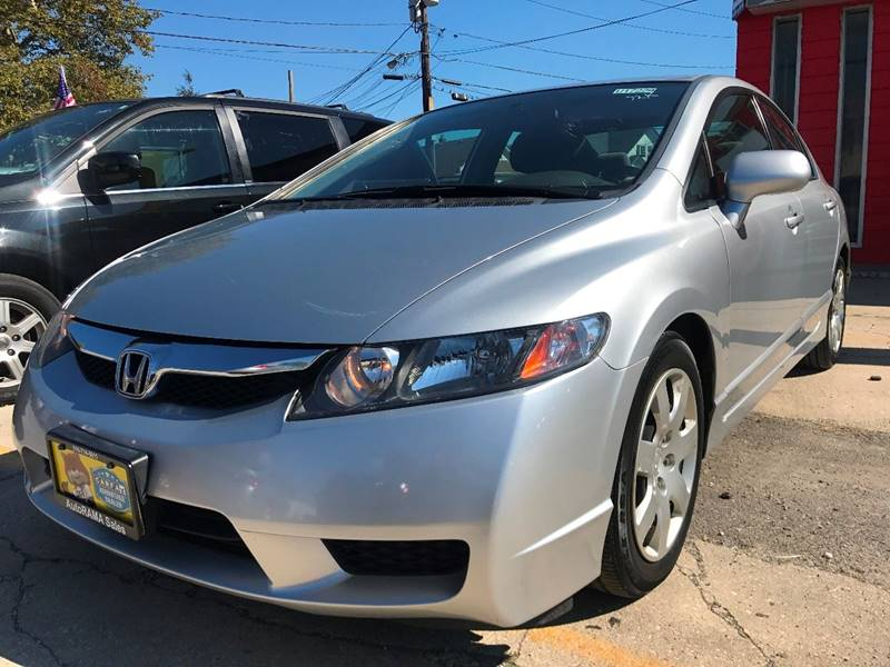 2011 Honda Civic for sale at AUTORAMA SALES INC. in Wantagh NY