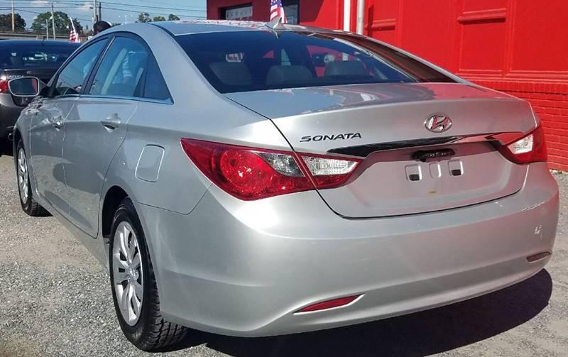 2012 Hyundai Sonata for sale at AUTORAMA SALES INC. in Wantagh NY