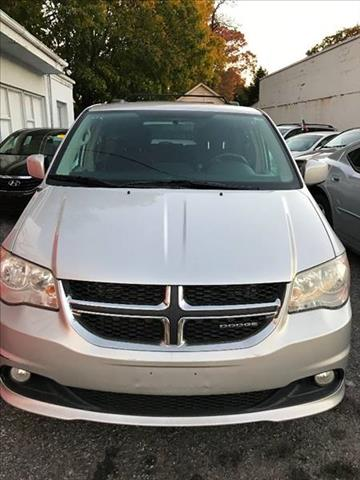 2011 Dodge Grand Caravan for sale at AUTORAMA SALES INC. in Wantagh NY