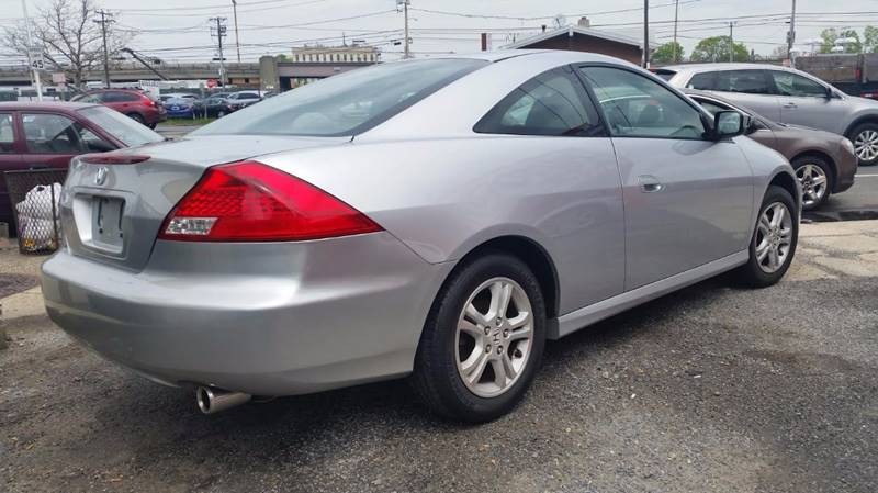 2007 Honda Accord for sale at AUTORAMA SALES INC. in Wantagh NY