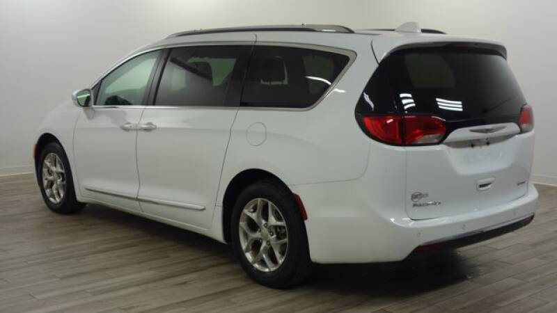 2018 Chrysler Pacifica Limited 4dr Mini-Van - Florissant MO