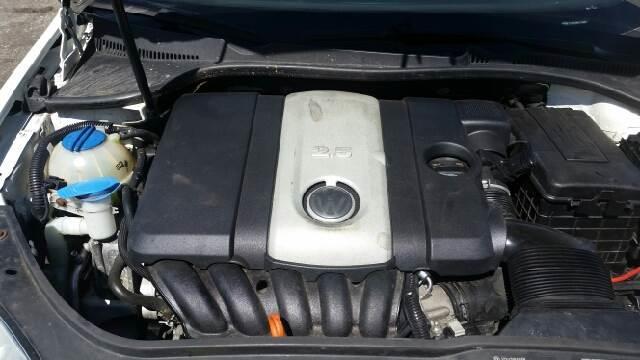 2005 Volkswagen Jetta New 2.5 4dr Sedan - Weirton WV