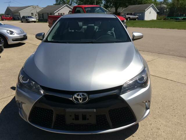 2016 Toyota Camry LE 4dr Sedan - Pershing IN