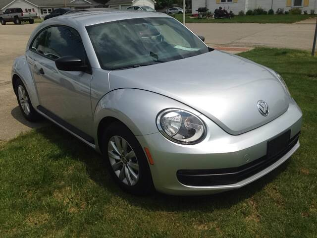 2014 Volkswagen Beetle 2.5L Entry PZEV 2dr Hatchback 6A - Pershing IN