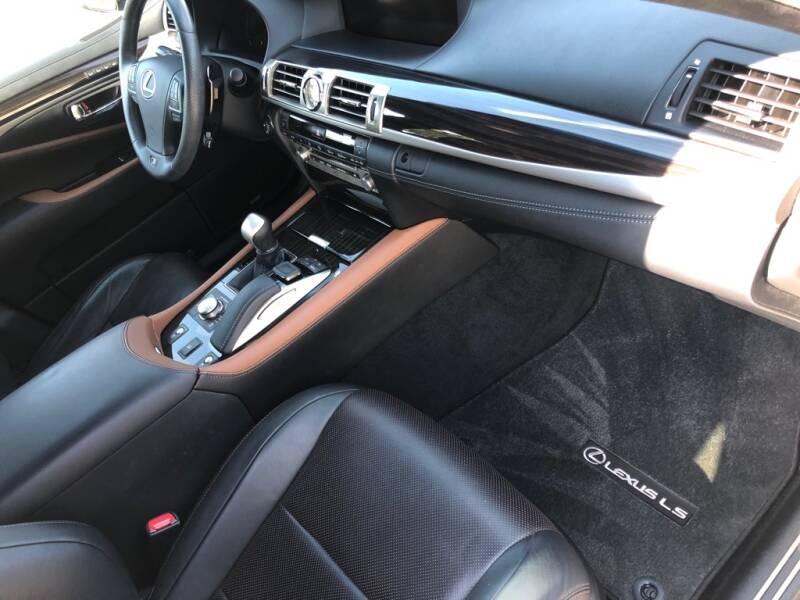 2017 Lexus LS 460 4dr Sedan - Eastlake OH