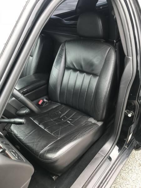 2007 Lincoln Town Car Executive 4dr Sedan - Eastlake OH
