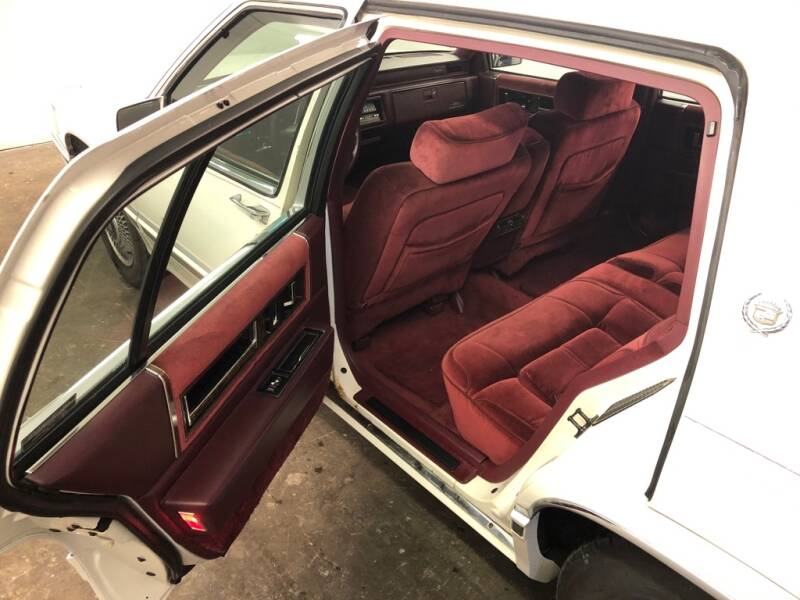 1991 Cadillac DeVille 4dr Sedan - Eastlake OH