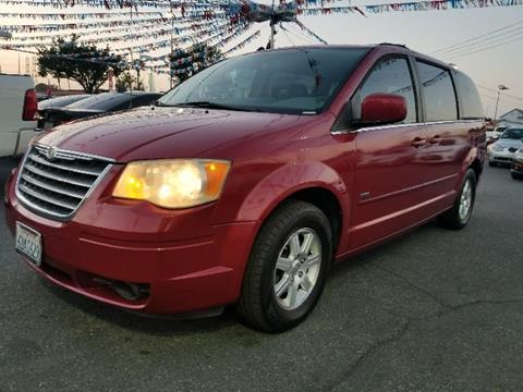 2008 Chrysler Town and Country for sale in Bellflower, CA