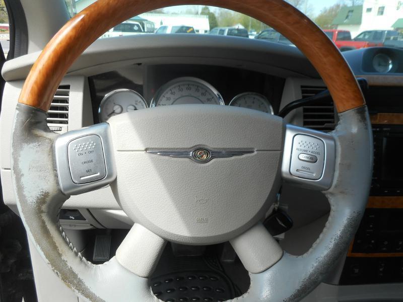 2007 Chrysler Aspen 4x4 Limited 4dr SUV - Cadillac MI
