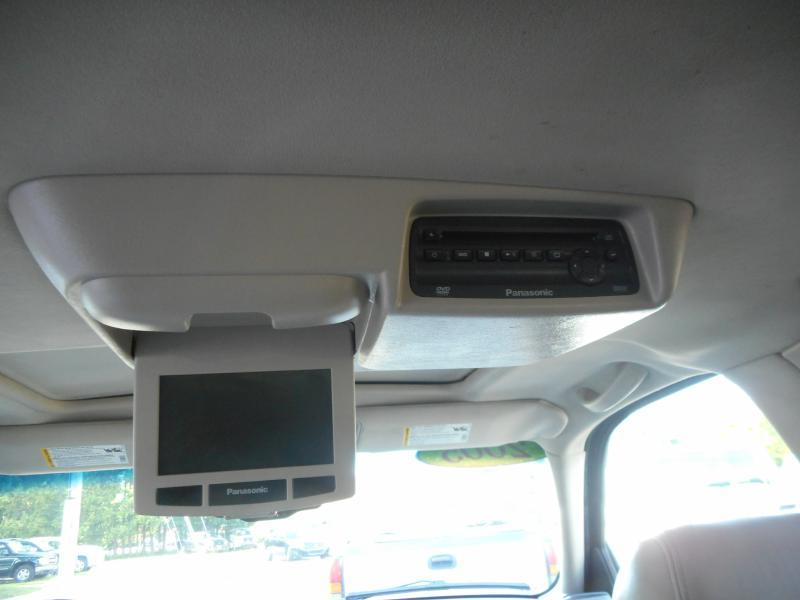 2005 Cadillac Escalade ESV AWD Platinum Edition 4dr SUV - Cadillac MI