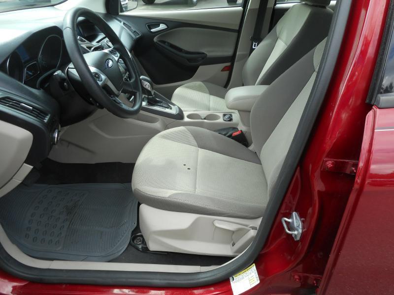 2014 Ford Focus SE 4dr Sedan - Cadillac MI