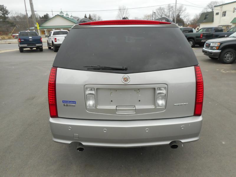 2006 Cadillac SRX AWD 4dr SUV w/V8 - Cadillac MI