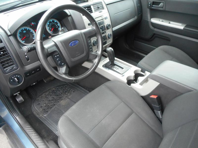 2010 Ford Escape AWD XLT 4dr SUV - Cadillac MI