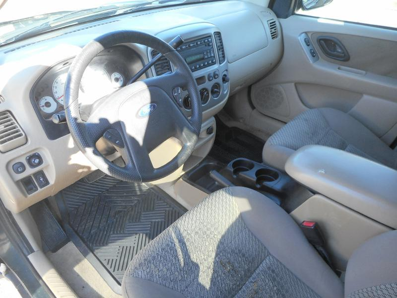 2003 Ford Escape XLT Popular 2 4WD 4dr SUV - Cadillac MI