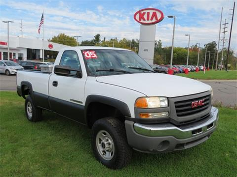 2005 GMC Sierra 2500HD for sale in Grand Rapids, MI