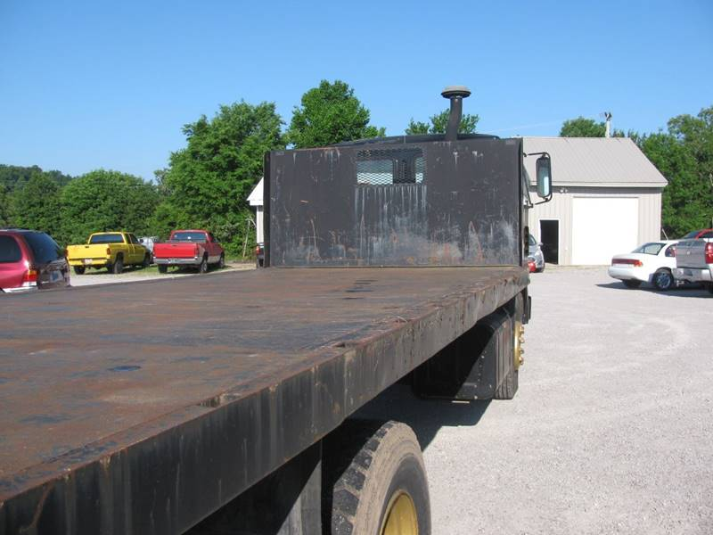 1984 Mack flatbed  - Mountain Home AR