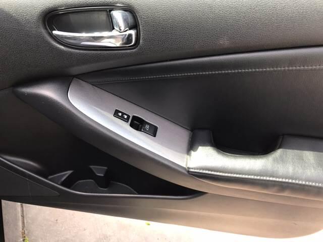 2010 Nissan Altima 2.5 SL 4dr Sedan - Milwaukee WI
