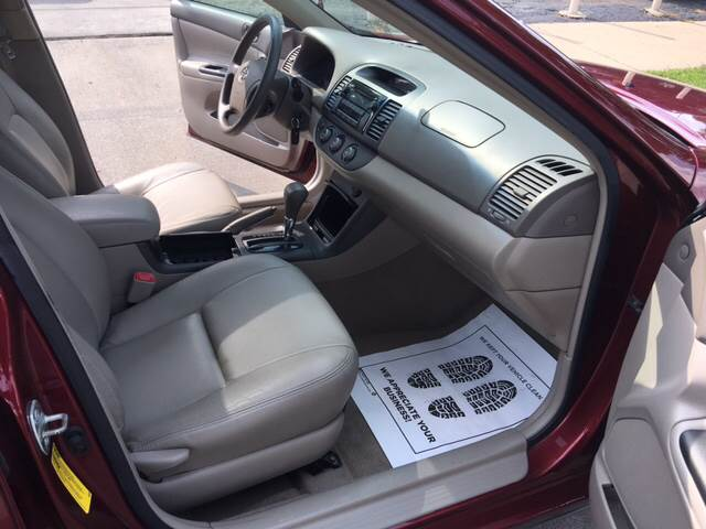 2005 Toyota Camry LE 4dr Sedan - Milwaukee WI