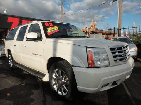 2005 Cadillac Escalade ESV for sale at 7 STAR AUTO in Sacramento CA