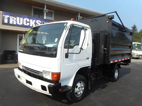 2004 Nissan UD1400 for sale in Spanaway, WA