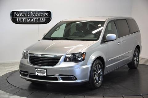 2014 Chrysler Town and Country for sale in Farmingdale, NY