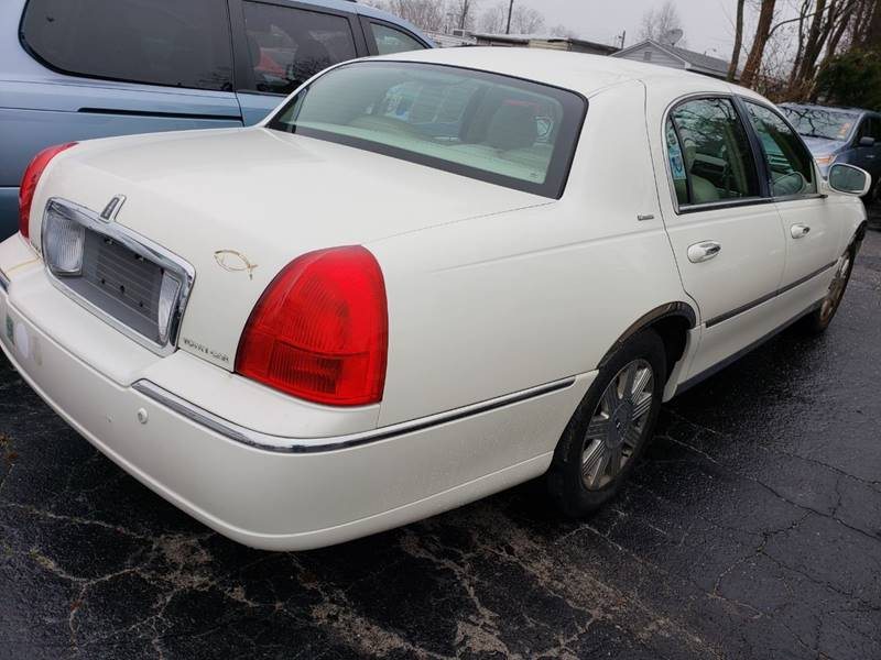 2004 Lincoln Town Car Ultimate 4dr Sedan In Hasbrouck Heights Nj