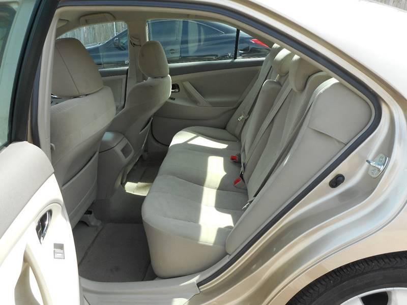 2011 Toyota Camry 4dr Sedan 6A - Baltimore MD