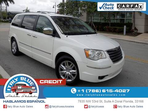 2008 Chrysler Town and Country for sale in Doral, FL