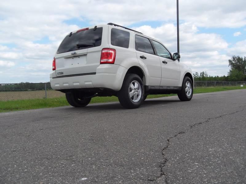 2009 Ford Escape XLT 4dr SUV - Montrose MI