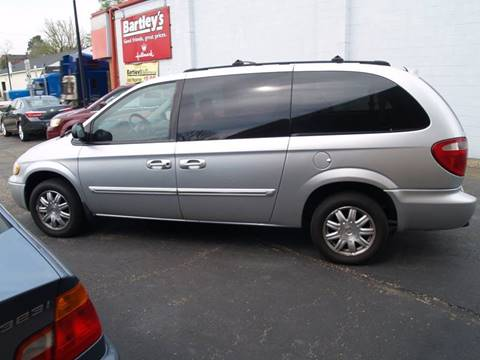 2005 Chrysler Town and Country for sale in Waverly, OH