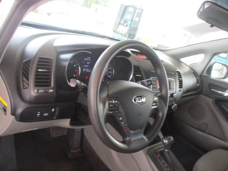 2014 Kia Forte LX 4dr Sedan 6A - San Antonio TX