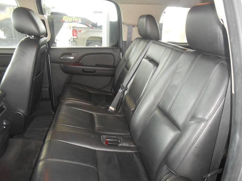 2012 Chevrolet Suburban 4x2 LT 1500 4dr SUV - San Antonio TX