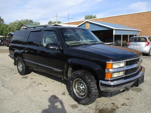 1998 Chevrolet Suburban for sale in Sycamore, IL