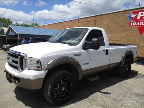 2006 Ford F-350 Super Duty for sale at Rondo Truck & Trailer in Sycamore IL