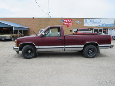 1994 Chevrolet C/K 1500 Series for sale at Rondo Truck & Trailer in Sycamore IL