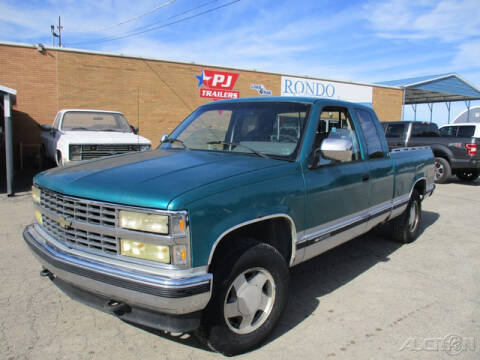 1993 Chevrolet C/K 1500 Series for sale at Rondo Truck & Trailer in Sycamore IL