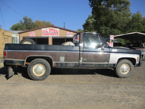 1980 GMC Sierra 2500 Classic for sale at Rondo Truck & Trailer in Sycamore IL