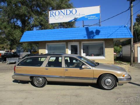 1996 Buick Roadmaster for sale at Rondo Truck & Trailer in Sycamore IL