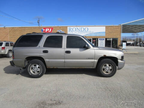 2000 Chevrolet Tahoe for sale at Rondo Truck & Trailer in Sycamore IL