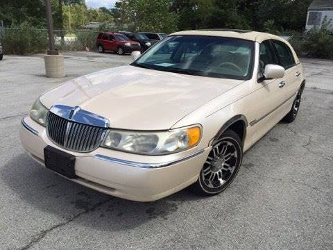 1998 Lincoln Town Car for sale at C & G Auto Sales in Gary IN