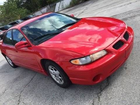 1999 Pontiac Grand Prix for sale at C & G Auto Sales in Gary IN