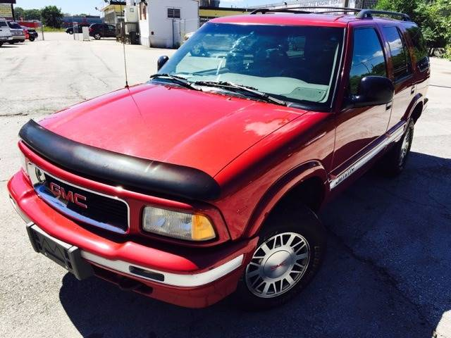 1995 GMC Jimmy for sale at C & G Auto Sales in Gary IN